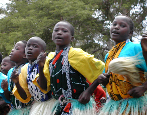kenyan dancing girls